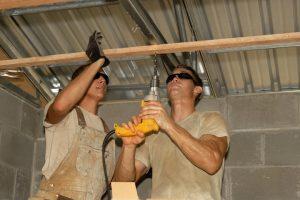 builders-hard-working
